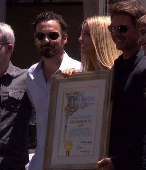 Tom Cruise & 'The Mummy Cast' Celebrate Mummy Day