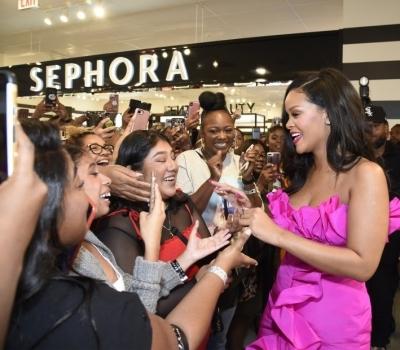Rihanna Celebrates the One-Year Anniversary of Fenty Beauty